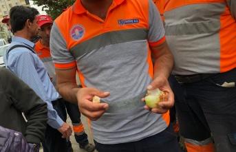 Maltepe Belediyesi işçileri Soğan Ekmekli Protesto Etti