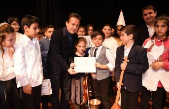 Tuzla'da Çocuk Sanatları Okulu Yarı Yıl Gösterisi