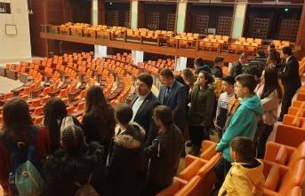 Milletvekili Tunç Başarılı Öğrencileri TBMM de Misafir Etti