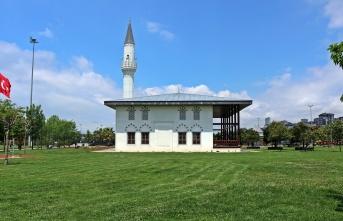 Cemaat Camilerine Kavuşuyor.