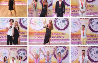 Yoga Olimpiyat Şampiyonları Madalyalarını Aldı