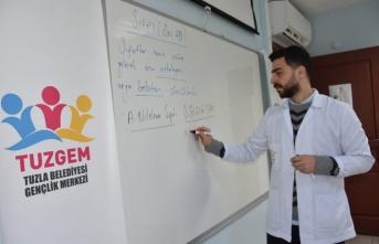 Tuzla'da Kesintisiz Eğiteme Destek