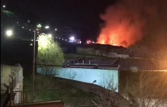 Maltepe Belediyesi'nde Yangın Korkuttu