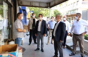 Bergama'da kaymakam ve belediye başkanından 'Koronavirüs' denetimi