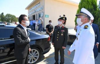 Tuzlada Sosyal Mesafeli Bayramlaşma Töreni
