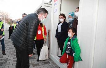 Başkan Sandal Konteyner Kentteki Çocuklara Sürpriz Yaptı